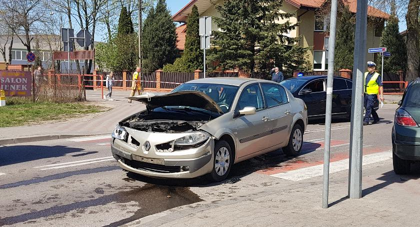 wypadki drogowe , ustąpił pierwszeństwa skrzyżowaniu Jedna osoba szpitalu [foto] - zdjęcie, fotografia
