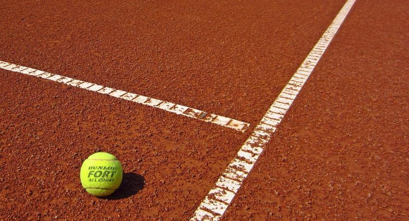 tenis ziemny tenis stołowy badminton, Olimpia otwiera korty tenisowe - zdjęcie, fotografia