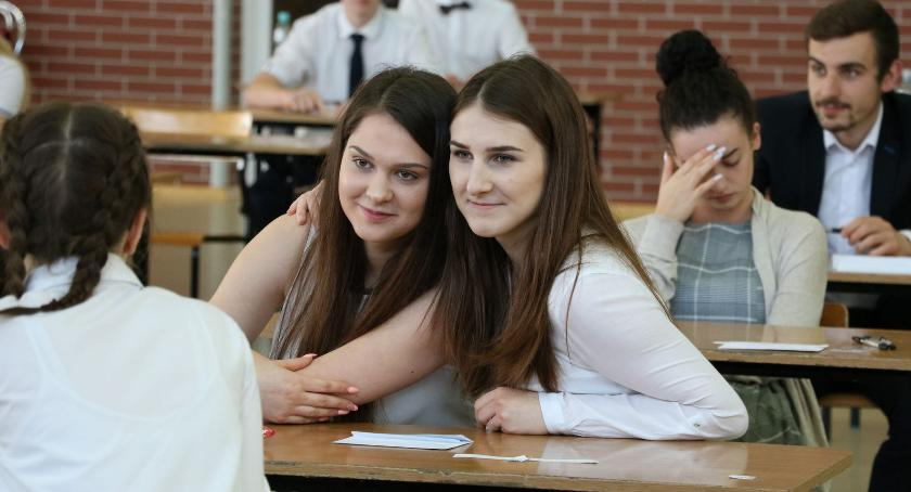 edukacja, Maturzyści napisali egzamin języka polskiego [foto+arkusze] - zdjęcie, fotografia