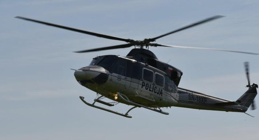 policja, Policyjny helikopter Zambrowem Wiemy jakie działania były prowadzone - zdjęcie, fotografia