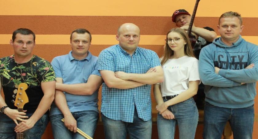 muzyka koncerty, Koncert zespołu Pauper - zdjęcie, fotografia
