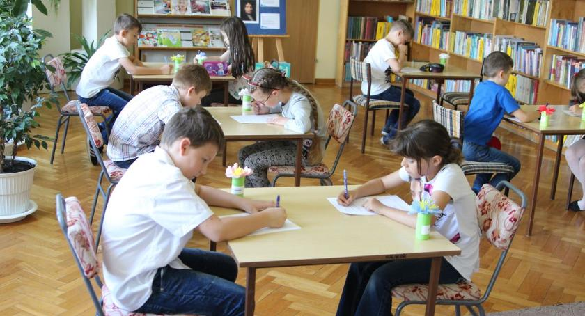 edukacja, Konkurs wiedzy baśniach Perraulta [foto] - zdjęcie, fotografia