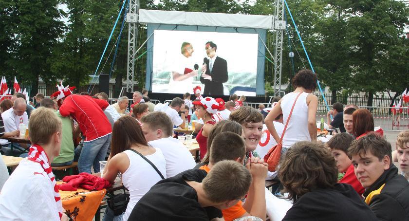 piłka nożna futsal, Polska Kolumbia obejrzymy parkingu Olimpia! - zdjęcie, fotografia