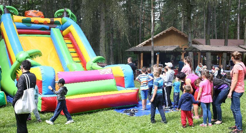 rekreacja wypoczynek, sobotę Piknik Rodzinny Czerwonym Borze - zdjęcie, fotografia