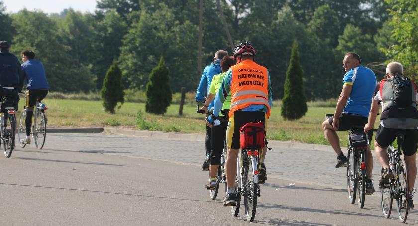 rowery i kolarstwo, Rowerami Jabłoni Kościelnej [foto] - zdjęcie, fotografia