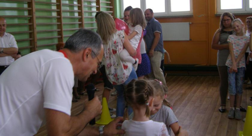 edukacja, Święto Rodziny Szkole Podstawowej Starym Laskowcu - zdjęcie, fotografia