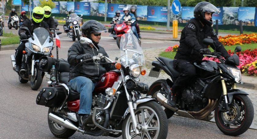 rekreacja wypoczynek, Parada motocykli ulicami Zambrowa niedługo - zdjęcie, fotografia