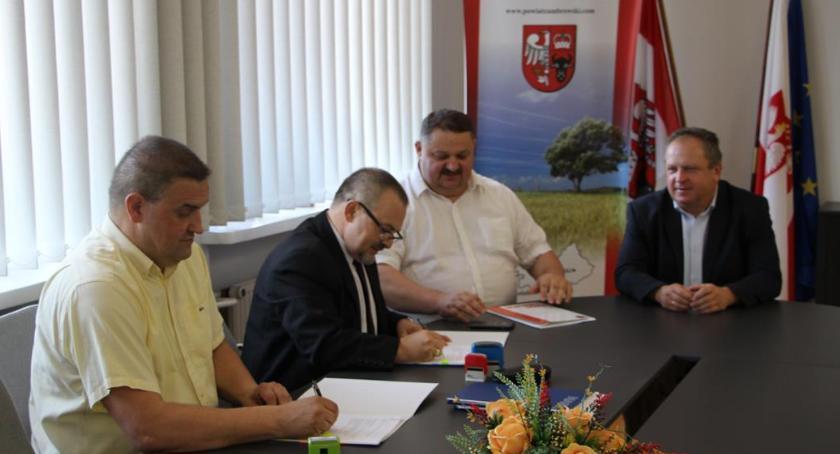 edukacja, Bezpłatny internet zambrowskich szkół średnich - zdjęcie, fotografia