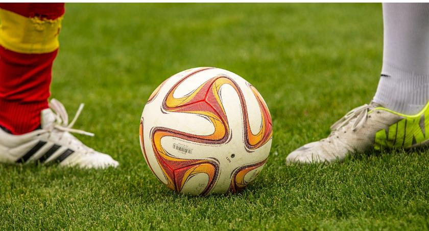 piłka nożna futsal, Olimpia bezbramkowo remisuje Wigrami pierwszym sparingu - zdjęcie, fotografia