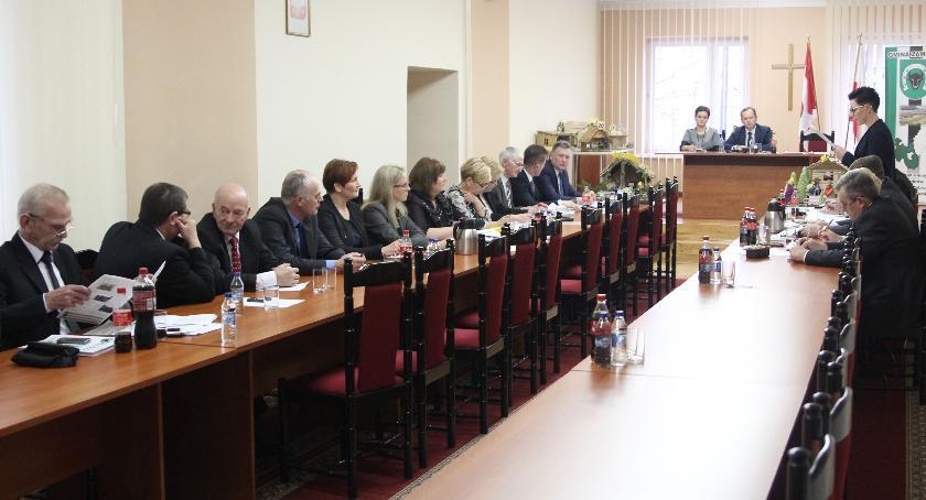 Rada Gminy Zambrów radni, Oświadczenia majątkowe władz radnych Gminy Zambrów Zobacz zarobił - zdjęcie, fotografia