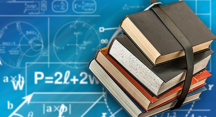 edukacja, Wykaz podręczników zambrowskich szkołach - zdjęcie, fotografia