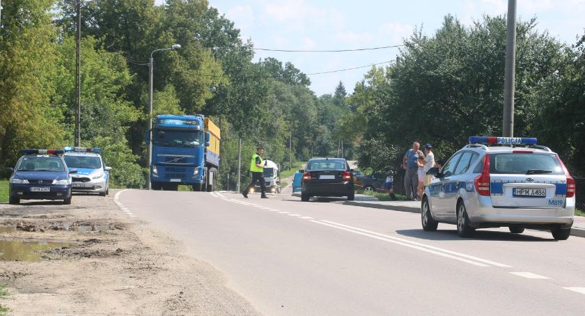 wypadki drogowe , Potrącenie rowerzysty Łomżyńskiej Dziecko przetransportowano helikopterem szpitala [foto] - zdjęcie, fotografia