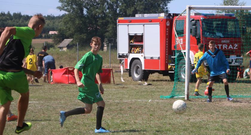 """piłka nożna futsal, Turniej Dzieci Młodzieży Piłkę Nożną """"Zbrzeźnica Cup"""" [foto] - zdjęcie, fotografia"""