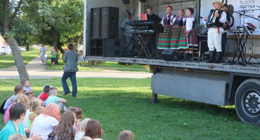 muzyka koncerty, Mieszkańcy Zambrowa bawili Szansą [foto] - zdjęcie, fotografia