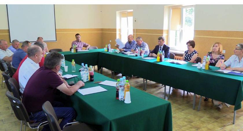 Rada Gminy Rutki radni, Oświadczenie majątkowe władz radnych Gminy Rutki Zobacz zarobił - zdjęcie, fotografia