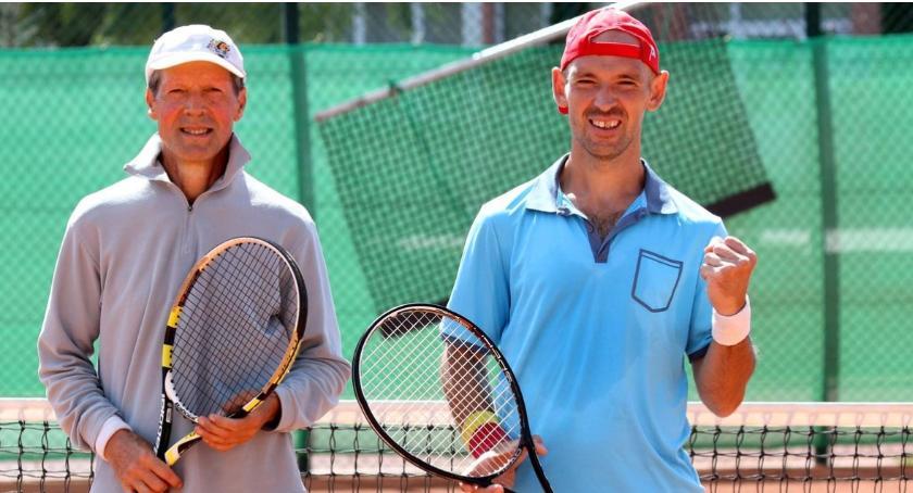 tenis ziemny tenis stołowy badminton, Styła Krzysztof Bułkowski najlepsi deblowym turnieju Ostrołęce - zdjęcie, fotografia