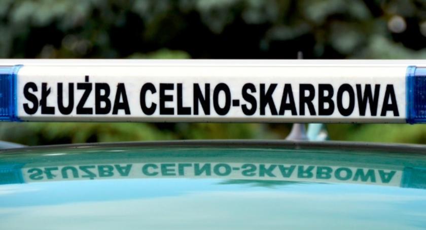 policja, Papierosy przemytu nielegalny tytoń automaty zarekwirowała łomżyńska - zdjęcie, fotografia