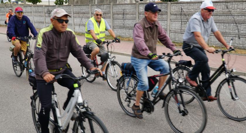 rowery i kolarstwo, Szlakiem bitwy Zambrów rowerzyści zakończyli tegoroczny sezon rowerowy [foto] - zdjęcie, fotografia