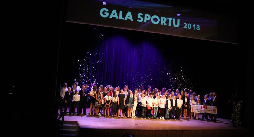 uroczystości obchody, zambrowska Sportu Wyjątkowe drużyny sportowcy nagrodzeni [foto] - zdjęcie, fotografia