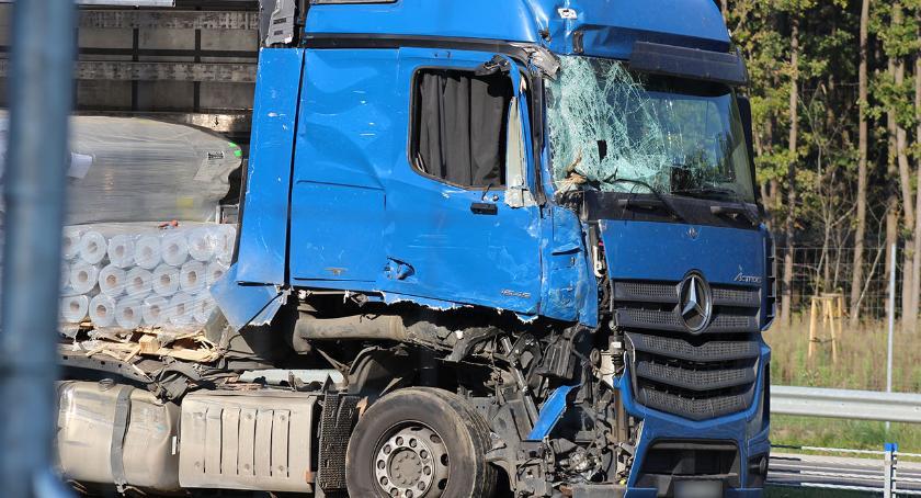 wypadki drogowe , Zderzenie dwóch tirów [foto] - zdjęcie, fotografia