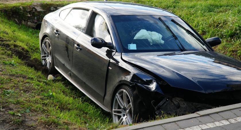 wypadki drogowe , niebezpieczne zdarzenia drogach Jedna osoba szpitalu [foto] - zdjęcie, fotografia