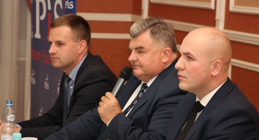 materiał wyborczy, Wiceminister Romańczuk popiera kandydaturę Wojciecha Wiśniewskiego Wójta Gminy Zambrów [foto] - zdjęcie, fotografia