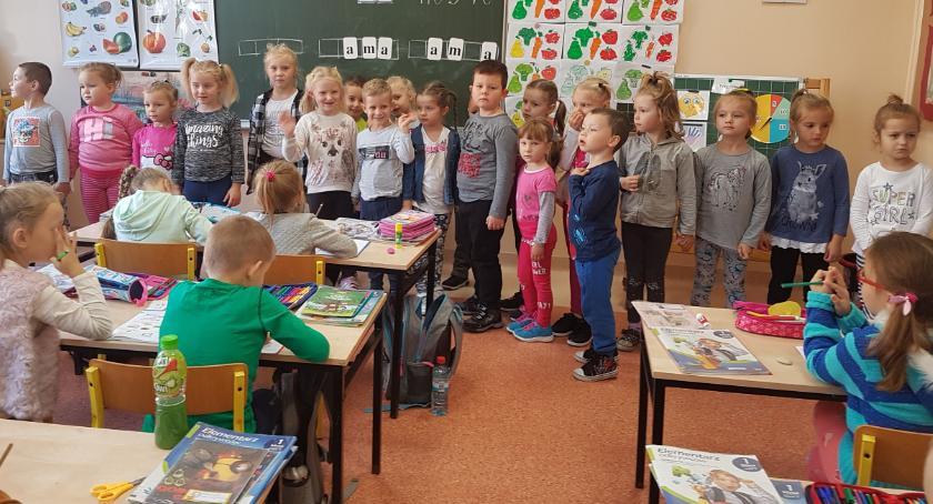 edukacja, Przedszkolaki wizytą Szkole Podstawowej - zdjęcie, fotografia