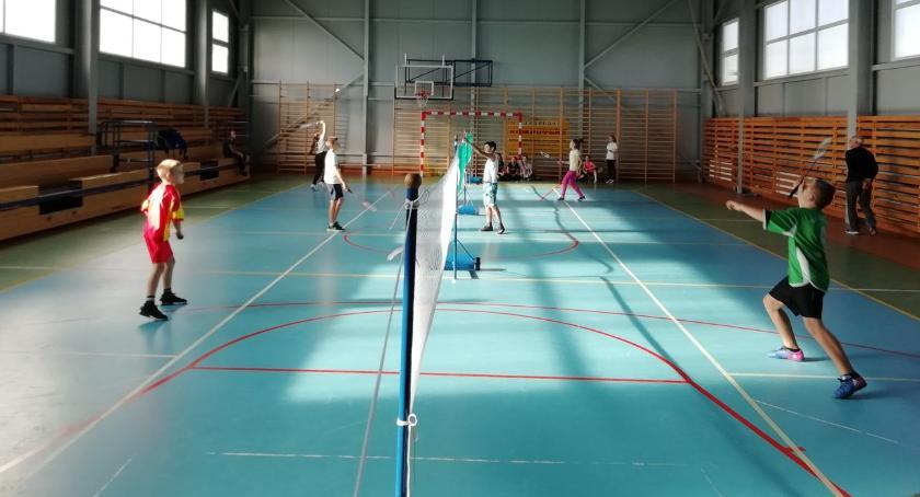 tenis ziemny tenis stołowy badminton, Igrzyska Powiatu Zambrowskiego badmintonie - zdjęcie, fotografia