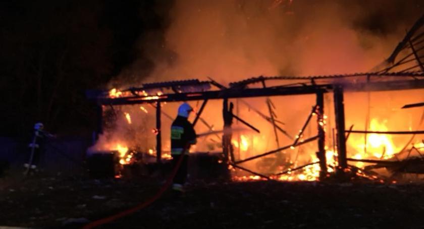 pożary i straż, Seria pożarów Nowym Skarżynie może sprawka podpalacza [foto] - zdjęcie, fotografia