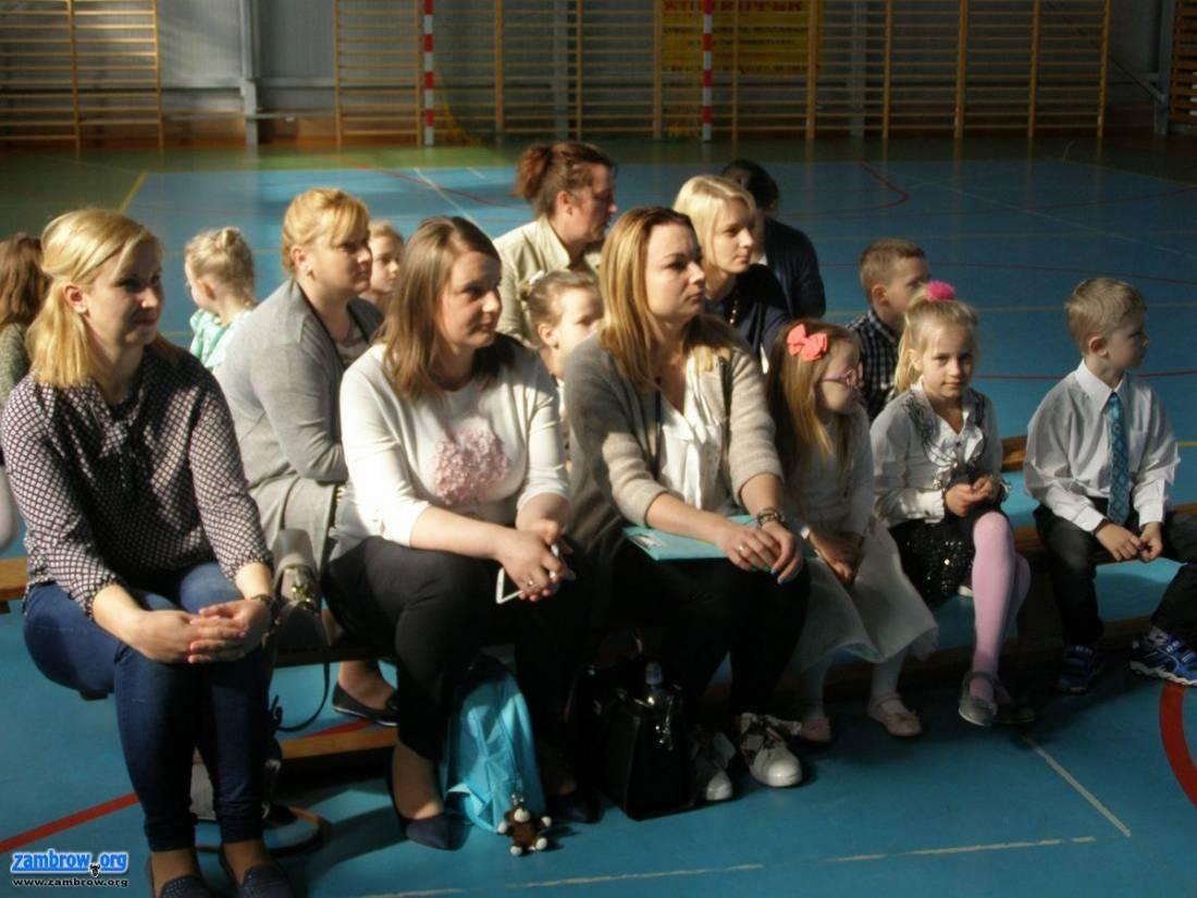 edukacja, Przedszkolaki gminy Zambrów rywalizowały konkursie recytatorskim - zdjęcie, fotografia