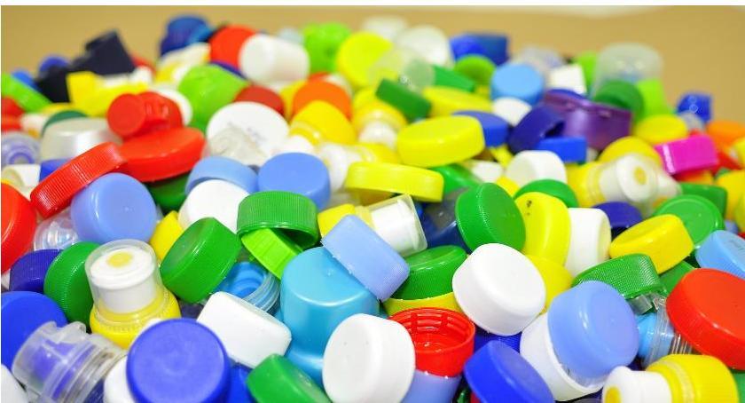 charytatywne wolontariat, Prosimy dostarczenie plastikowych nakrętek Caritas - zdjęcie, fotografia
