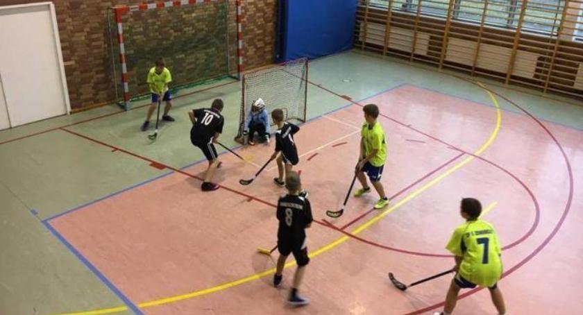 bieganie lekkoatletyka unihokej, Igrzyska Powiatu Zambrowskiego unihokeju - zdjęcie, fotografia