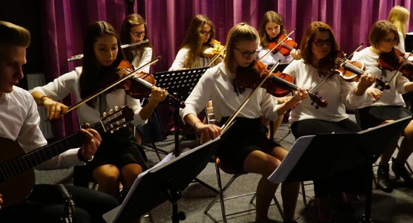 """muzyka koncerty, Polskie tańce pieśni wykonaniu """"Cameraty"""" rozbrzmiały [foto] - zdjęcie, fotografia"""