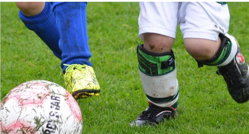 piłka nożna futsal, Akademia Szkolenia Piłkarskiego prowadzi zapisy sekcji piłkarskich - zdjęcie, fotografia
