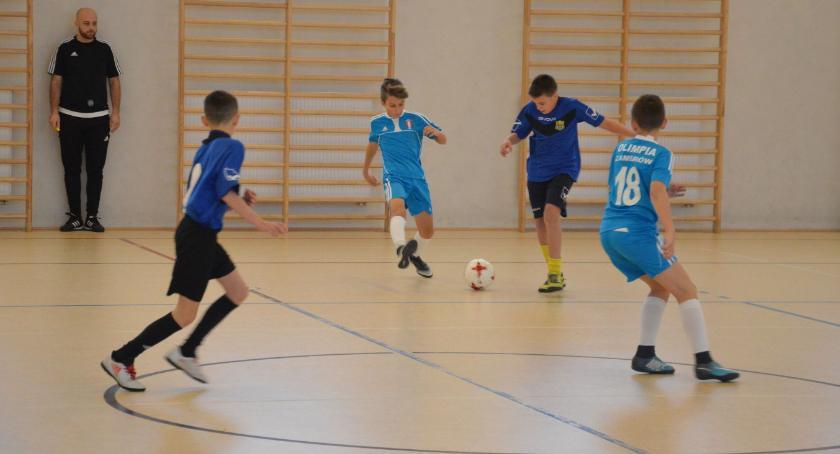 piłka nożna futsal, Młodziki Olimpii triumfują Ostrovia - zdjęcie, fotografia