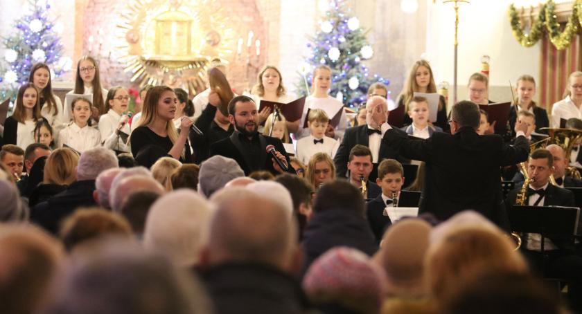 """muzyka koncerty, Miejska Młodzieżowa Orkiestra Dęta zagrała """"Trójcy"""" [foto] - zdjęcie, fotografia"""