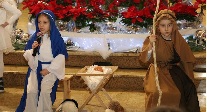 święta, Dzieci przedstawiły jasełka [foto] - zdjęcie, fotografia