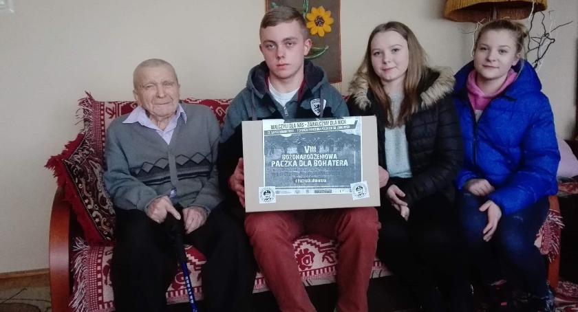 charytatywne wolontariat, Świąteczne paczki trafiły bohaterów [foto] - zdjęcie, fotografia