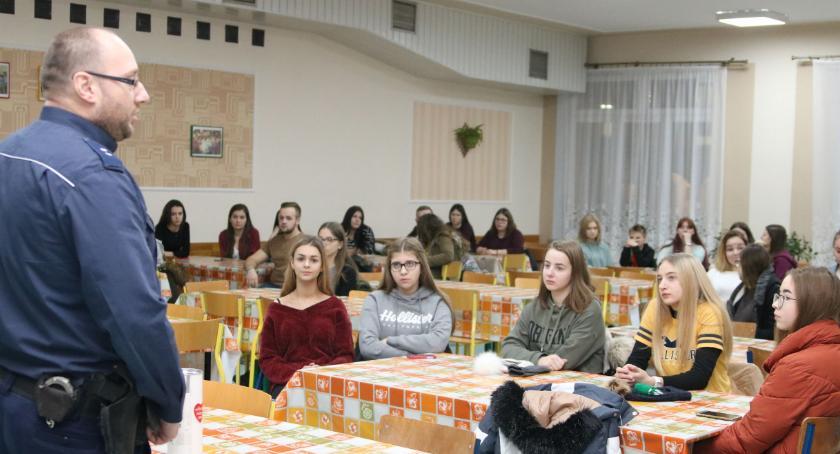 charytatywne wolontariat, Wolontariusze WOŚP rozmawiali bezpieczeństwie [foto] - zdjęcie, fotografia