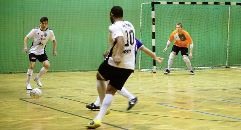 piłka nożna futsal, Futsal Zambrów meczem MOSiR Grajewo zakończyłpierwszą rundę sezonu 2018/2019 [foto] - zdjęcie, fotografia