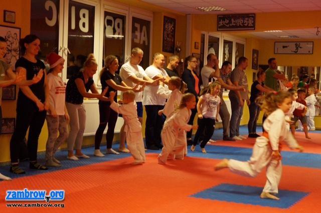 karate i sztuki walki, Karatecy obchodzili mikołajki [foto] - zdjęcie, fotografia