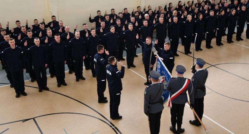 policja, policjanci podlaskim garnizonie złożyli ślubowanie - zdjęcie, fotografia