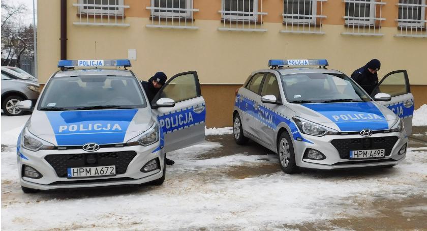 policja, radiowozy zambrowskich policjantów - zdjęcie, fotografia
