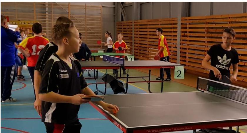 tenis ziemny tenis stołowy badminton, Igrzyska Powiatu Zambrowskiego tenisie stołowym - zdjęcie, fotografia
