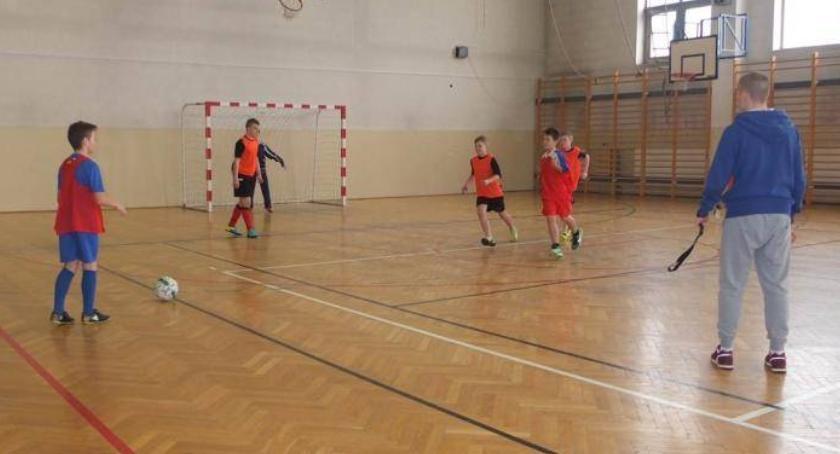 piłka nożna futsal, Mistrzostwa powiatu zambrowskiego halowej piłce nożnej podstawówek - zdjęcie, fotografia