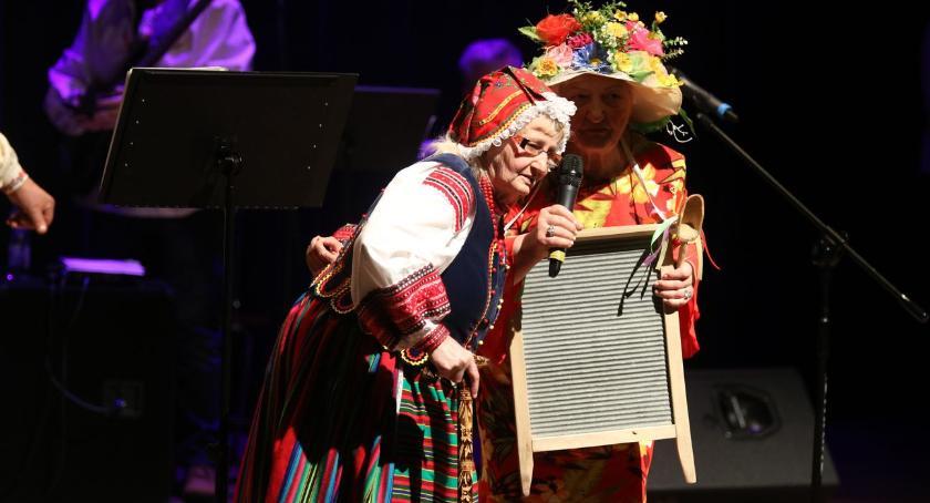 """muzyka koncerty, """"Babciu Dziadku Ciebie"""" [foto] - zdjęcie, fotografia"""