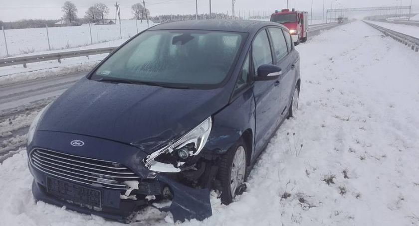 wypadki drogowe , Uwaga ślisko! odnotowano kolizje - zdjęcie, fotografia