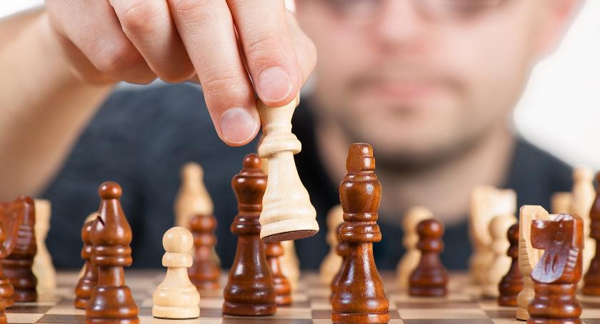 szachy brydż, Lubisz grać szachy udział turnieju! - zdjęcie, fotografia