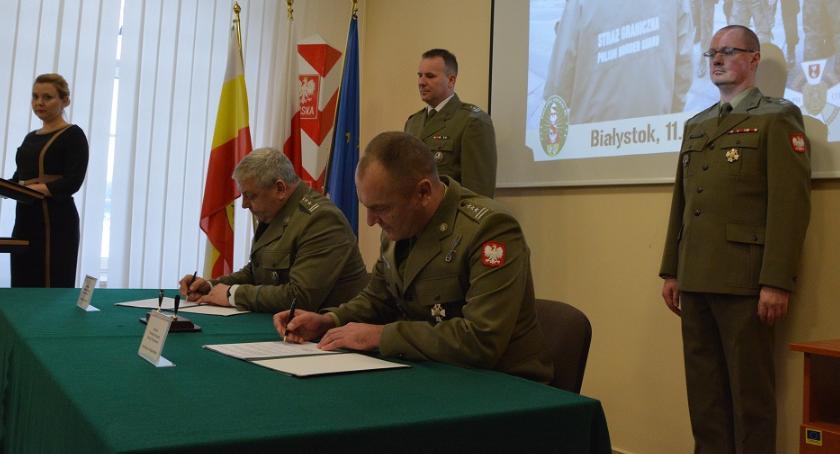 wydarzenia, Porozumienie współdziałaniu podlaskich funkcjonariuszy żołnierzy - zdjęcie, fotografia