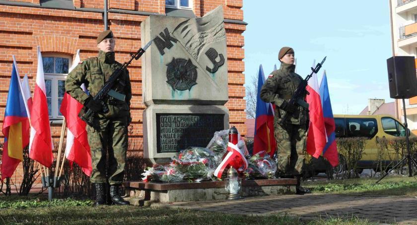 uroczystości obchody, Terytorialsi oddali hołd żołnierzom - zdjęcie, fotografia